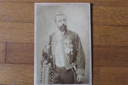 Photographie  Diplomate Grande Tenue Avec Ses Ordres Et Décorations  Par  Pesce Napoli  1880 - Guerra, Militares