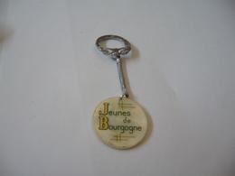 PORTE CLÉS KEY RING SCHLUSSELANHANGER  キーリング PORTACHIAVI JEUNES DE BOURGOGNE S.O.S. INDE 1966 - Key-rings