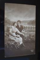 B745 Couple Gallant Love Romantic - Coppie