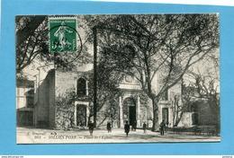 SOLLIES PONT-place De L'église Animée -beau Plan- -a Voyagé En 1911-édit Bougault - Sollies Pont