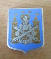 Insigne Militaire CIS M.1 - Centre D'instruction Et Du Matériel - Métal Argenté Et émail - DRAGO - Army