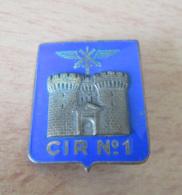 Insigne Militaire CIR N°1 - Centre D'instruction Régional - Métal Doré Et émail - DRAGO - Army