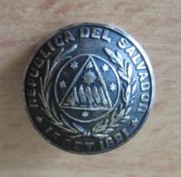 Ancien Bouton Militaire Semi-bombé - République Du Salvador - Daté 15 Septembre 1821 - Fabrication Française - Boutons