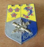 Insigne Militaire De L'Etablissement Régional Du Matériel, Alpes - Métal Argenté Et émail - FRAISSE - Army
