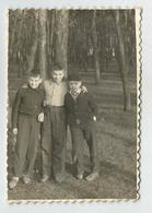 3 Boys   Kl57-350 - Anonymous Persons