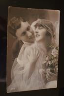 B757 Couple Gallant Love Romantic Bride 1934 - Coppie
