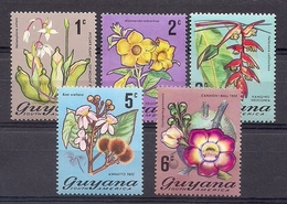GUYANA 1971-1972 - FLORES - YVERT Nº 376/380** - Guiana (1966-...)