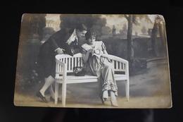 B767 Couple Gallant Love Romantic - Coppie