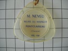 1090 Porte Clefs TOTAL Relais Du Maingot  NEVEU Fontclaireau 17 Charente  Automobiles - Schlüsselanhänger