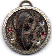 Medaille Vierge Avec 5 Petite Pierre - Pendants