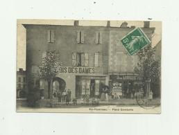 32 - VIC FEZENSAC - Place Gambetta Beau Plan Animé De Devantures De Magasins  Bon état - Vic-Fezensac
