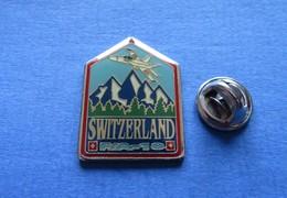Pin's,SWITZERLAND,SUISSE,FA-18,AVION MILITAIRE,limité Nr.080 - Luftfahrt