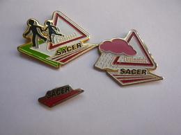 LOT 3 Pin S TRAVAUX PUBLICS SACER Different - Badges