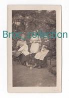 Forest-Montiers, La Neuville, Marie-Thé Flandre, Nelly Et Gilberte Coulon, 3 Jeunes Filles Cousant, Couture, Carte-photo - Genealogie