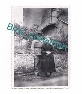 Bézenet Ou Doyet, Photo De Jean Mathé Et Sa Grand'mère Léontine Fournier, Gendarme - Persone Identificate