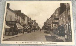 85 La Roche Sur Yon  Rue Georges Clemenceau  Pompe A Essence Cafe Tabac La Comete Cafe De Paris Et Autres - La Roche Sur Yon