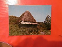 à Identifier - Un Buron En Montagne - L'auvergne Touristique - Cartoline