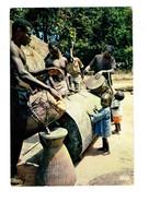 Cpm - Afrique En Couleurs - Tam-tam Au Village - Iris 5889 Hoa Qui - GARÇON Musique Bébé - Afrika