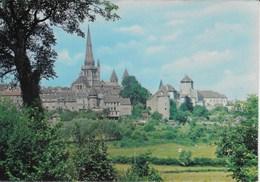 Autun -  La Cathédrale Et Les Tours Du Moyen Age - Autun