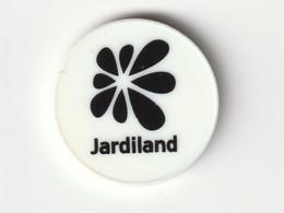 JETON DE CADDIES : Magasin JARDILAND ( Plastique Blanc ) - Trolley Token/Shopping Trolley Chip