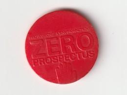JETON DE CADDIES : Zéro Prospectus  ( Plastique Rouge ) - Jetons De Caddies