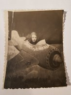 Photo Vintage. Original. Salutations De Leningrad. Avion En Carton. Avion Photo. L'URSS - Objetos