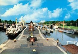 Brunsbüttel Brunsbüttelkoog Kanal Schleuse Schleusenanlage Mit Schiffen 1980 - Germany