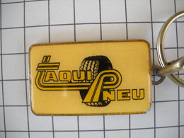1125   Porte Clefs  TAQUI PNEU  MONTAUBAN 82  Automobile - Schlüsselanhänger