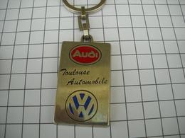 1071 Porte Clefs AUDI  VW  Concessionnaire Toulouse Automobile Rue St Michel Ave Etats Unis Rte Labège  31   Automobiles - Schlüsselanhänger
