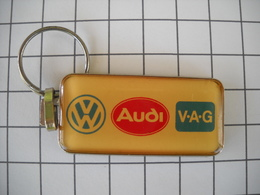 1072 Porte Clefs AUDI  VW  VAG   Ets SAMA  Avion Lens 62   Automobiles - Schlüsselanhänger