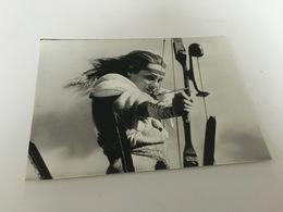 P4 -  Virginia Hey  Femme Archère - Mad Max 2, De George Miller - Fotos