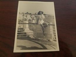 Photo Originale Jeune Femme Pin-up A Lla Plage Eden-Roc Cap D'Antibes Aout 19461953 - Pin-up