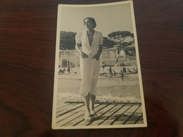 Photo Originale  Femme Pin-up En Robe Mode Fashion Annee 30  Cannes 1935 - Pin-ups