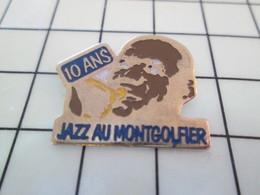 416b Pin's Pins / Beau Et Rare / THEME : MUSIQUE / JAZZ AU MONTGOLFIER TROMPETTE LOUIS ARMSTRONG Par SOFITEL - Cinéma