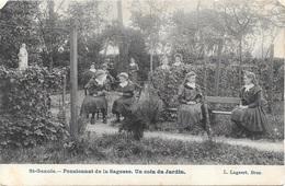St-Genois NA3: Pensionnat De La Sagesse. Un Coin Du Jardin - Zwevegem