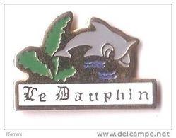 B38 Pin's DAUPHIN DOLPHIN Achat Immédiat - Animales