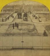 Stéréo 1860-70 Paris Instantané . Pont De La Concorde . Attelage De La Poste Aux Chevaux N° 2 Rue Pigalle . Soldats . - Stereoscopic