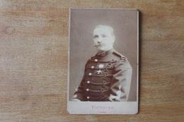 Photographie Militaire  Cabinet Officier Portant Sa Décoration Croix De Mentana   Par VICTOIRE LYON - Guerra, Militares