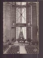 ROYAN INTERIEUR DE LA NOUVELLE EGLISE - Churches & Cathedrals