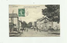 32 - VILLECOMTAL SUR ARROS - L' Entrée Du Bourg Animée  Bon état - Autres Communes