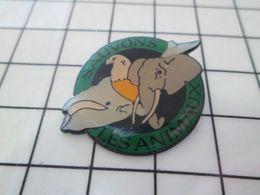 616a Pin's Pins / Beau Et Rare / THEME : ANIMAUX / BALEINE AIGLE ELEPHANT SAUVONS LES ANIMAUX Par CREDIT MUTUEL Lol ! - Animales