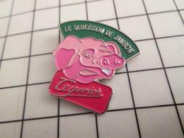 616a Pin's Pins / Beau Et Rare / THEME : ANIMAUX / TETE DE COCHON LE SAUCISSON DE JAMBON TEYSSIER - Animales