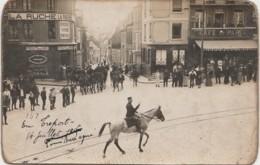 76) LE TREPORT LE 14  JUILLET 1916  - CARTE PHOTO  - DEFILE MILITAIRE   - 2 SCANS) - Le Treport