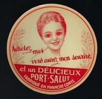 """Ancienne étiquette Fromage Achetez Moi Vous Aurez Mon Sourire Port Salut Fabriqué En Franche Comté """"visage Femme"""" - Käse"""