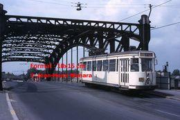 ReproductionPhotographie D'un Tramway SNCV Ligne 7 Passant Sur Un Pont à Mons En Belgique En 1966 - Reproductions