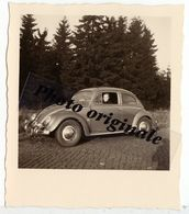 Photo Originale - Autos Voitures Automobiles Cars - Volkswagen VW Coccinelle Ovale Käfer Ovali Beetle - Jeune Homme - Automobili