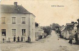 - Mayenne -ref-487- Simplé - Vue Generale - Une Rue Du Bourg - Carte Bon Etat - - France