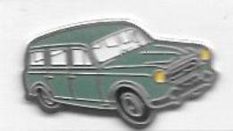 Pin' S  Automobile  RENAULT  JUVA 4  Verte - Renault