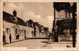 36 .. CHABRIS .. ROUTE DE ROMORANTIN .. 1947  CAFE DU COMERCE ...  ( Le Trait Blanc Est Un Défaut Du Scann ) - Autres Communes