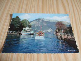 Annecy (74).Dans Le Port. - Annecy